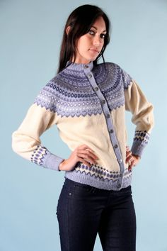 Beautiful! Fair Isle Knitting Patterns, Fair Isle Pattern, Cardigan Design, Hand Knitted Sweaters, Wool Cardigan, Hand Knitting, Knitwear, Knit Crochet, Fair Isles