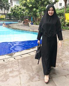 ❤️ Beautiful Muslim Women, Beautiful Hijab, Young And Beautiful, Arab Girls Hijab, Muslim Girls, Muslim Fashion, Hijab Fashion, Hijab Prom Dress, Girls Phone Numbers