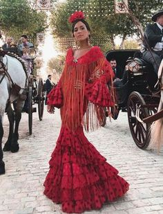 Spanish style – Mediterranean Home Decor Spanish Dress, Spanish Style, Flamenco Wedding, Outfits For Spain, Flamenco Costume, Flamenco Dresses, Look Fashion, Fashion Outfits, October Fashion