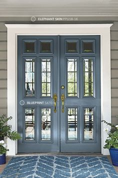 2019 Paint Colors of the Year Paint colors can be so hard to choose. Every year Paint brands come up with a paint color of the year. For the most trendy paint colors you can't miss this post! Front Door Paint Colors, Exterior Paint Colors For House, Painted Front Doors, Interior Paint Colors, Paint Colors For Home, Blue Front Doors, Exterior Paint Ideas, House Shutter Colors, Outdoor House Colors