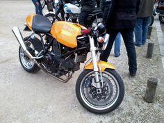 Ducati 1000.