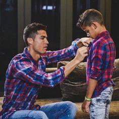 Cristiano Ronaldo 7, Ronaldo Cristiano Cr7, Cristiano Ronaldo Wallpapers, Ronaldo Juventus, Neymar, Fashion Tips For Women, Mens Fashion, Fashion Guide, Street Fashion