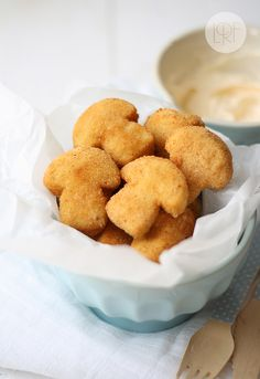 croquetas de setas - mushroom croquettes - ignore the fact that a mushroom shaped cookie cutter was used in prep Food Trucks, Tasty, Yummy Food, Creative Food, Appetizer Recipes, Appetizers, Finger Foods, Love Food, Stuffed Mushrooms