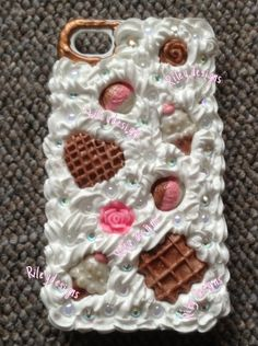 Frosted iPhone 4 case handmade decoden by CutieMcPretty007 on Etsy, $50.00
