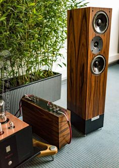 High End 2016: Holy sweet mother, it's the Living Voice Vox Palladian | Part-Time Audiophile
