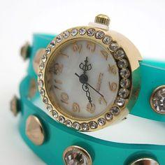 Divatóra menta szíjjal I Ajándék most webáruház Bracelet Watch, Clock, Bracelets, Accessories, Mint, Watch, Clocks, Bracelet, Arm Bracelets