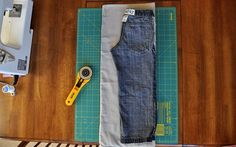 Tutorial on how to make lounge pants for boys. Pretty simple. For girls, you can add a ruffle to the bottom. :)