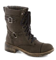 great hiking boot with buckles