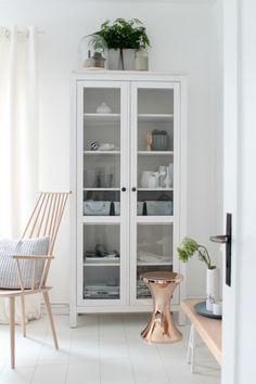 vitrinekast-woonkamer-dubbele-deuren