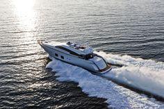 Pershing-108-yacht-07