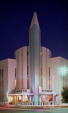 Plymouth Hotel, Miami Beach, Florida You have fab taste in true Art Deco. Arte Art Deco, Motif Art Deco, Estilo Art Deco, Art Deco Design, Art Nouveau, Miami Beach, South Beach, Hotel Miami, Miami City