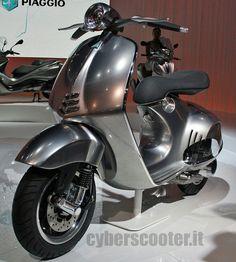 Shame the 2013 production model just isn't this cool! Vespa Motorcycle, Lambretta Scooter, Vespa Scooters, Vespa Et2, Motor Scooters, Scooter Girl, Futuristic Cars, Pedal Cars, Mini Bike