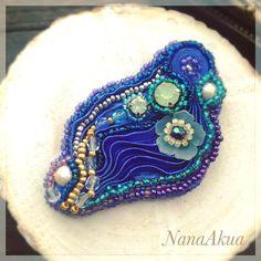 ビーズ刺繍ブローチ4作目はプリーツリボンと立体花プラバンとのコラボ。  NanaAkua's 4th beads embroidery brooch with Pleated ribbon & Shrink plastic flower.  #ワークショップ #熱縮片 #講習会  #nanaakua #handmade #workshop #プラバン #プラバンワークショップ #立体プラバン #プラ板 #shrinkplastic #shrinkydinks #handicraft #花プラバン #accessories #プラバンアクセサリー #beads #beading #beadwork #beadembroidery #shibori #pleatedribbon #ribbon #ミジンコ みたい
