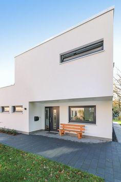 Hauseingang Aussen überdacht Mit Sitzbank   Gestaltung Eingang Bauhaus  Stadtvilla Modern Classic Von ECO System Haus