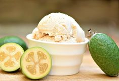 Learn how to make yummy feijoa ice cream at home. This is a really simple recipe that doesn't use eggs and doesn't require any cooking. It tastes amazing! Fejoa Recipes, Cooking Recipes, Gluten Free Ice Cream, Ice Cream Freeze, Ice Cream At Home, Frozen Yoghurt, Ice Cream Treats, Ice Cream Recipes, Fun Desserts