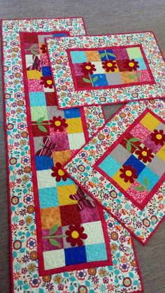 Patchwork Cozinha Jogo Americano Ideas For 2020 Patchwork Kitchen, Patchwork Tiles, Baby Patchwork Quilt, Patchwork Quilt Patterns, Patchwork Cushion, Crazy Patchwork, Patchwork Table Runner, Table Runner And Placemats, Quilted Table Runners