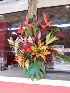 Arranjo floral tropical