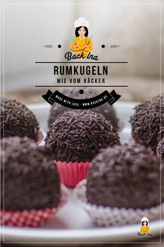 Rumkugeln wie vom Bäcker You want to make rum balls like the baker himself? With cake leftovers, a lot of rum and a few other ingredients that is quite possible! Try these delicious, big rum balls! Fish Recipes, Sweet Recipes, Baking Recipes, Cookie Recipes, Dessert Recipes, Rum Balls, Nice Cream, Unsweetened Cocoa, Macaron