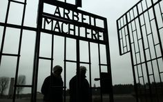 Heartbreaking Photos from the 70th Anniversary of the Liberation of Auschwitz - Mic