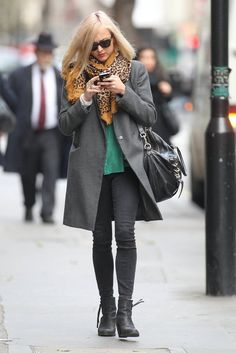 Fearne Cotton - green jumper and scarf