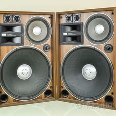 Pardon me while I Salivate. High End Speakers, Home Audio Speakers, Audiophile Speakers, Sound Speaker, Hifi Audio, Home Theater Sound System, Home Theatre Sound, Best Home Theater, Kenwood Audio