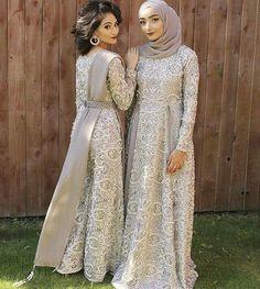 New model for wedd Modern Hijab Fashion, Arab Fashion, Muslim Fashion, Dress Brukat, Hijab Gown, Pakistan Street Style, Model Kebaya, Muslim Dress, Kebaya Muslim