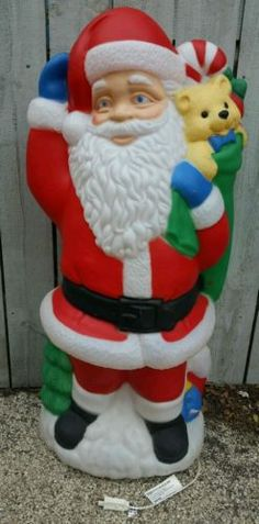 TPI-Santa-Claus-w-blue-mittens-Christmas-Light-up-Holiday-Blow-mold-Decoration