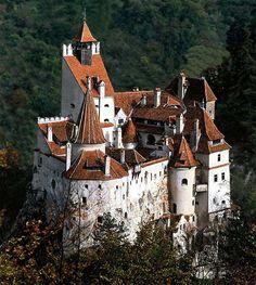 Creepy Travel: Dracula's Castle in Transylvania  #Dracula #Castle #Transylvania #DraculaCastle #BranCastle
