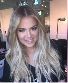 New hair color balayage khloe kardashian Ideas Long Blonde Curls, Honey Blonde Hair, Curly Blonde, Cool Blonde Hair Colour, Ombre Hair Color, Blonde Balayage, Blonde Ombre, Dark Blonde, Ice Blonde