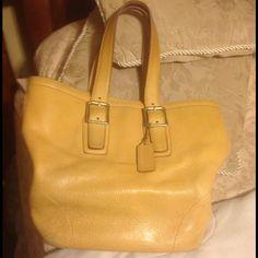 AUTHENTIC COACH BAG COACH BAG FOR SALE- SIZE 11 x 14 x 7 Coach Bags