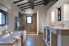 baño, estilo rústico, vivienda rústica, mueble de obra para lavabos, cabina de obra con mampara para ducha, bañera y radiador toallero