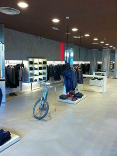 Cøll Concept Store