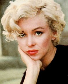 Marilyn Monroe photographer by Milton H. Greene, 1954.
