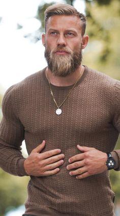 Handsome man =) - Beard Tips Long Beard Styles, Hair And Beard Styles, Mens Hairstyles With Beard, Haircuts For Men, Beard Tips, Beard Ideas, Beard Haircut, Long Beards, Beard Grooming