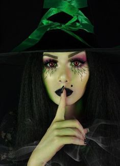 2019 wicked Witch make up. - The Most Hauntingly Gorgeous Halloween Makeup Looks. Halloween Makeup Witch, Halloween Looks, Scary Halloween, Scary Witch, Halloween Costumes, Wicked Witch Costume, Witch Cosplay, Halloween Coffin, Witch Costumes