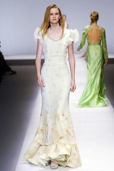 Rochas Spring 2006 Ready-to-Wear Fashion Show - Lily Donaldson