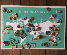 Souvenir Magnete zeigen an - Ideen zu Souvenirs Souvenir Display, Postcard Display, Souvenir Ideas, Pictures On String, Picture String, Travel Gallery Wall, Travel Crafts, Travel Souvenirs, Travel Memories