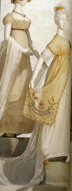 Платье. Около 1805. Белое платье из хлопчатобумажного муслина с треном, вышивка мелким цветочным узором, белая косынка-фишю с полихромной вышивкой, наброшена на плечи.