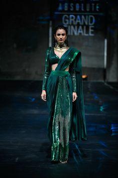Amit Aggarwal at Lakmé Fashion Week summer/resort 2020 Dress Indian Style, Indian Fashion Dresses, Indian Designer Outfits, Indian Wear, Indian Wedding Outfits, Bridal Outfits, Indian Outfits, Latest Indian Fashion Trends, Saree Wearing Styles