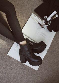 shoes boots grunge black ankle boots black boots soft grunge platform shoes clothes platform boots black platform boot shoes black rock heel boots black boots black