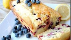 Blueberry Lemon Bread from Eat Yourself Skinny!hard to believe that this one will make me skinny , right? Blueberry Bread Recipe, Blueberry Loaf, Blueberry Recipes, Lemon Recipes, Yummy Recipes, Yummy Treats, Yummy Food, Sweet Treats, Lemon Bread