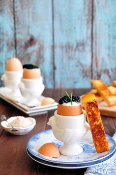 Glam Up Your Weekend Brunch - How to Make Fancy Soft Boiled Eggs with Toast Soldiers Fresh Fruit Salad, Fruit Salads, Soft Boiled Eggs, Hard Boiled, Breakfast Of Champions, Recipe Link, Brunches, Holiday Treats