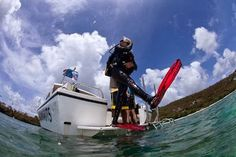 …. Voglia di Bolle…. Immergiti con Noi Domenica 13 ottobre  Torretta e il Faro sono le 2 immersioni previste… Per info e prenotazioni info@4sub.it