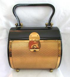 Vintage-1950s-Dorset-Rex-Fifth-Avenue-Purse-Gold-Metal-and-Black-Lucite-Plastic