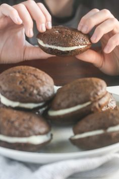 These Vegan Whoopie Pies from Lauren Kelly Nutrition have a cake-like texture and a sweet, whipped filling. Best Dessert Recipes, Sweets Recipes, Sweet Desserts, Cookie Recipes, Potluck Recipes, Bar Recipes, Vegan Sweets, Vegan Desserts, Vegan Recipes