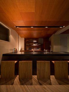 atelier HUGE: bar leoneo