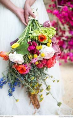Big and colourful bouquet idea | Photographer: Adene Photography
