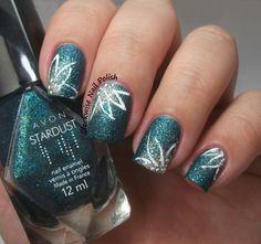 The Clockwise Nail Polish: Avon Teal Glitter & Flower Nail Art