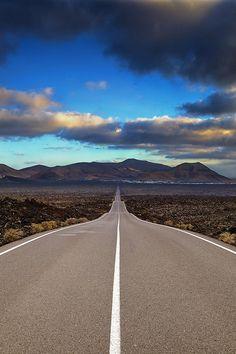 Classic American Road Trip – Tips for a Trip Down Route 66 - Way Outdoors Landscape Photos, Landscape Photography, Nature Photography, Travel Photography, Beautiful Roads, Beautiful Places, Amazing Places, Fotografia Macro, Back Road