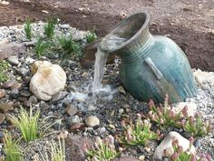 DIY GARDENING: Mini Water Features without the Pond The front yard is the main part of every home, and surely it depicts the creativity and maturity of every house owner. Front yard has always been decorated with colorful blooming flowers and plants… Outdoor Water Features, Water Features In The Garden, Backyard Water Feature, Ponds Backyard, Garden Water Fountains, Homemade Water Fountains, Outdoor Fountains, Water Gardens, Garden Pond
